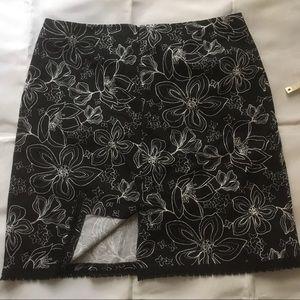 Geoffrey Beene Skirts - Geoffrey Beene Sport stretch mini skirt size 12